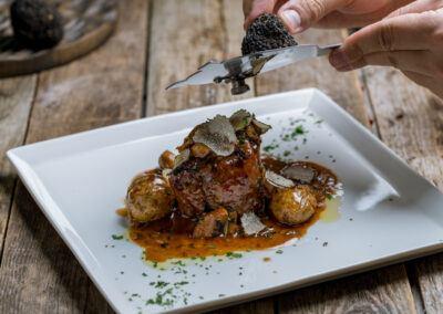 filetto di manzo con funghi e tartufo nero