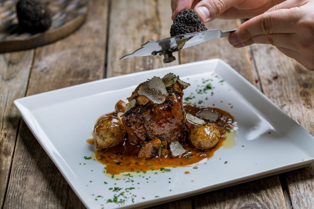 Filetto ai funghi porcini e tartufo nero: ecco la ricetta!
