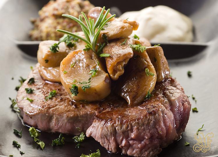 filetto-con-funghi-porcini-al-tartufo-ricetta-umbria