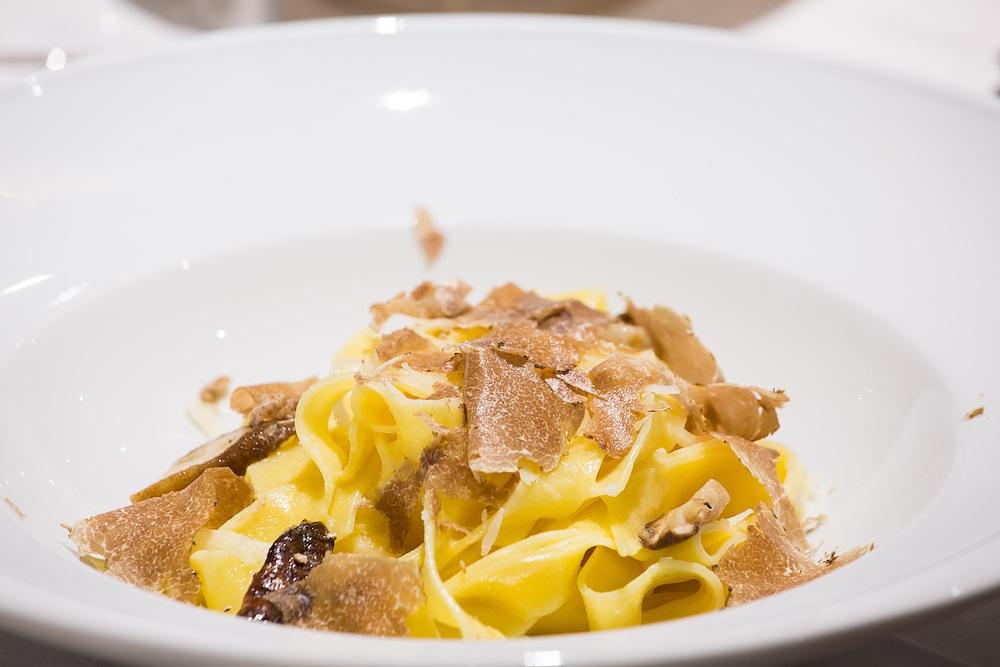 Tagliatelle con tartufo bianco: una ricetta esclusiva!